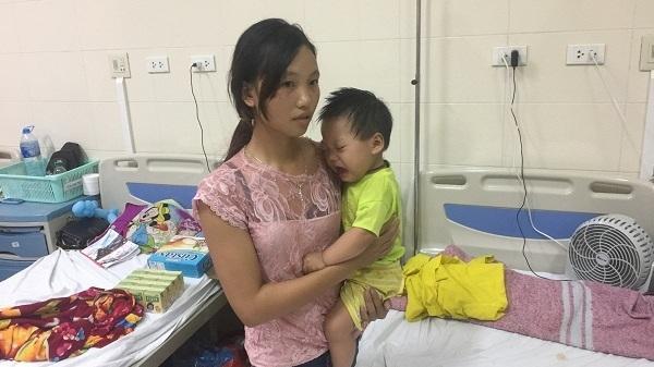 Không có nổi 1 triệu đồng, người mẹ Lào Cai muốn cho con ung thư về nhà chờ chết
