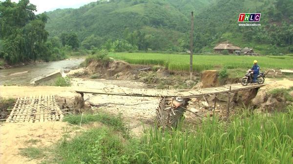 Người dân xã Nghĩa Đô, huyện Bảo Yên (Lào Cai) cần sớm có cầu đi lại an toàn