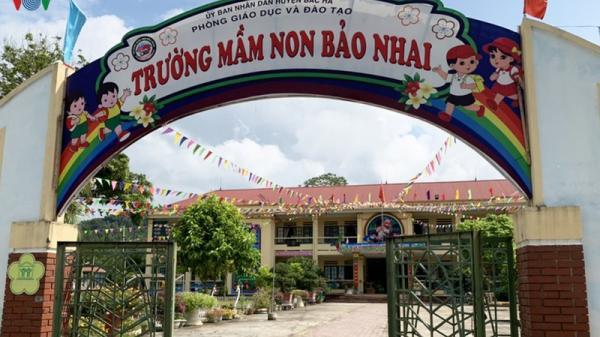 """Thịt lợn bẩn ở Lào Cai, """"quá tam ba bận"""" vào bếp ăn nhà trẻ?"""
