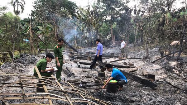 Lào Cai: Triệu tập đối tượng nghi say rượu tự đốt nhà mình