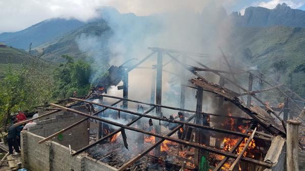 Sa Pa (Lào Cai): Cháy nhà do chập điện, thiệt hại hơn 600 triệu đồng