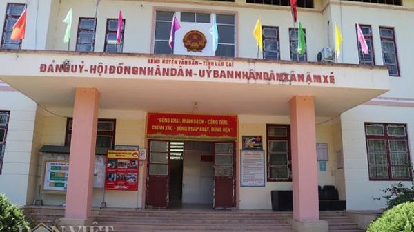 """Cả nhà làm cán bộ xã ở Lào Cai: Không lạ vì đầy """"cả họ làm quan"""" ở Việt Nam?"""