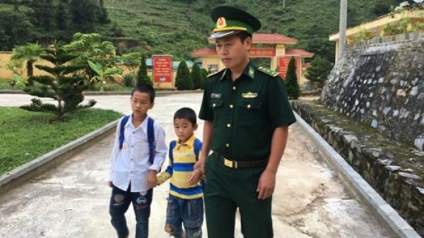 Thầy giáo mang quân hàm xanh ở Lào Cai