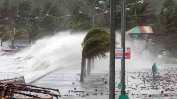 Ngày mai miền Bắc đón không khí lạnh tăng cường, các tỉnh miền Trung đón bão giật cấp 13 vào Chủ Nhật