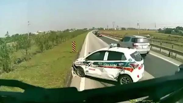 Video: Tạt đầu xe khách trên cao tốc Nội Bài - Lào Cai, tài xế taxi được bài học nhớ đời