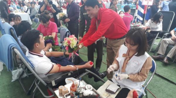 Hội Chữ thập đỏ Lào Cai tổ chức hiến máu và đăng ký hiến tặng mô tạng