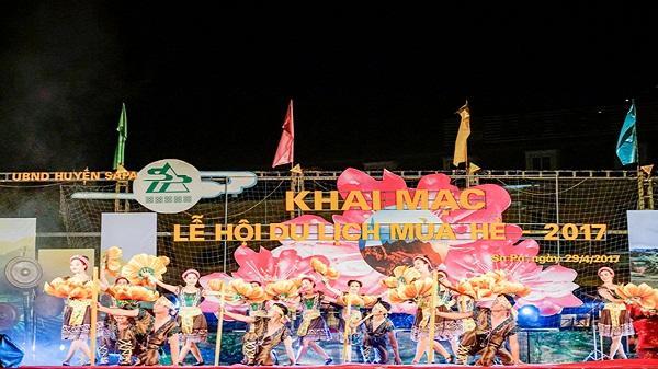 Hàng vạn du khách tham dự khai mạc Lễ hội mùa hè Sa Pa