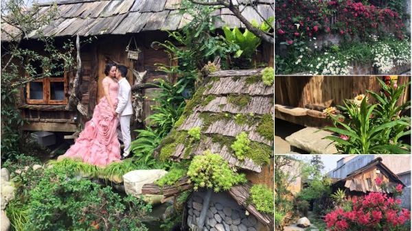 """Ngỡ ngàng trước ngôi nhà gỗ bên """"suối"""" hoa hồng rực rỡ ở lưng chừng đồi núi Sapa"""