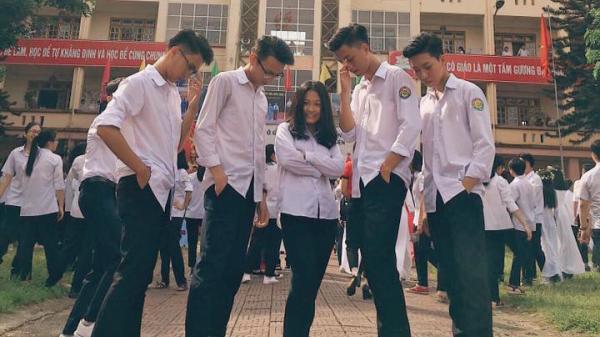 """'Vườn sao băng"""" phiên bản Lào Cai: Nữ sinh lọt thỏm giữa 4 anh chàng đẹp trai, học giỏi"""