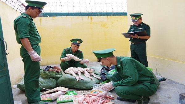 Tin nóng Lào Cai: Bắt giữ 210 kg thực phẩm bẩn nhập lậu qua biên giới