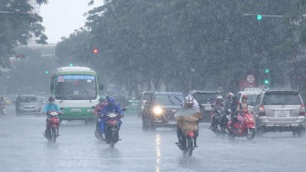 Đón không khí lạnh giữa mùa hè, các tỉnh Bắc Bộ mưa dông diện rộng từ chiều nay