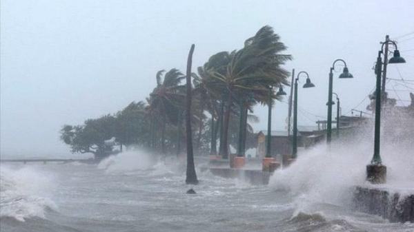 Xuất hiện cơn bão giật cấp 11 gần Biển Đông
