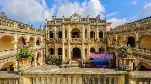 Lào Cai: Khám phá vẻ đẹp bí ẩn của dinh thự vua Mèo lớn nhất thị trấn Bắc Hà