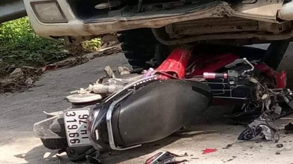 Xe máy đối đầu xe tải mang BKS Lào Cai, 2 thanh niên tử vong thương tâm