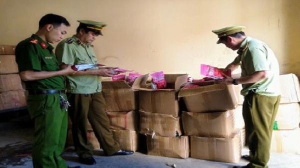 Lào Cai tạm giữ 1.600 gói ngũ cốc hoa quả nhập lậu