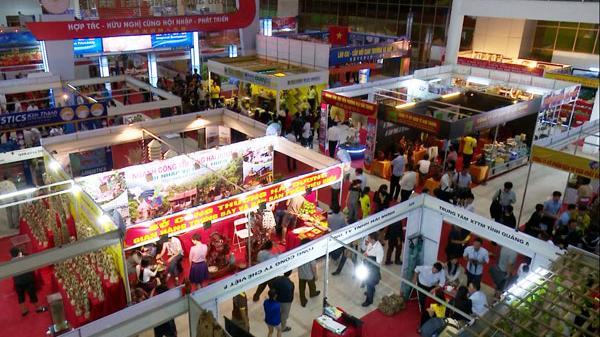 Có trên 700 gian hàng tham gia hội chợ Việt - Trung lần thứ 17 tại Lào Cai
