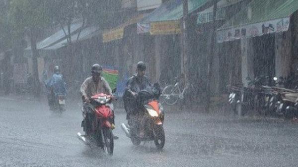 Miền Bắc mưa dông kéo dài, đợt nắng nóng kỷ lục chấm dứt