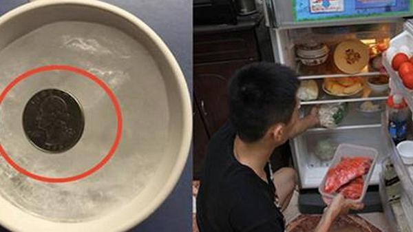 Vì sao trước khi đi chơi xa, chúng ta nên bỏ đồng xu vào tủ lạnh?
