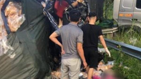 Hai người tử vong khi xe tải đấu đầu trên cao tốc Hà Nội - Lào Cai