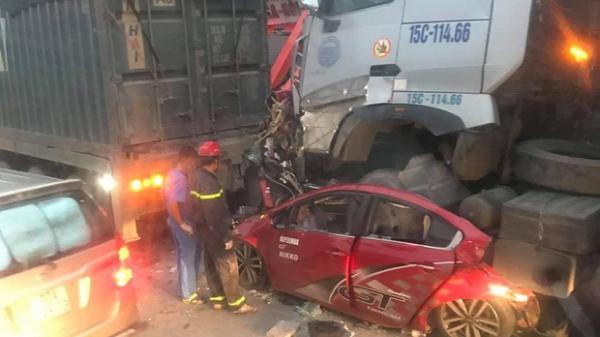Danh tính 3 nạn nhân tử vong trong vụ tai nạn liên hoàn lúc rạng sáng: Người trẻ nhất mới 21 tuổi