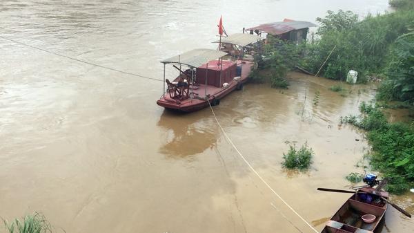 Lũ trên sông Hồng đoạn chảy qua thành phố Lào Cai lên cao, khả năng đạt cấp báo động 1