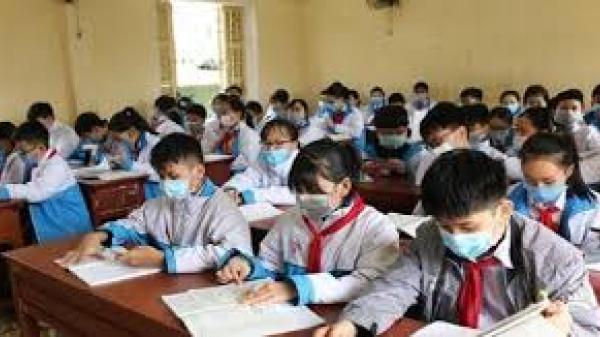 Hơn 2.000 học sinh nghỉ, phòng Covid-19