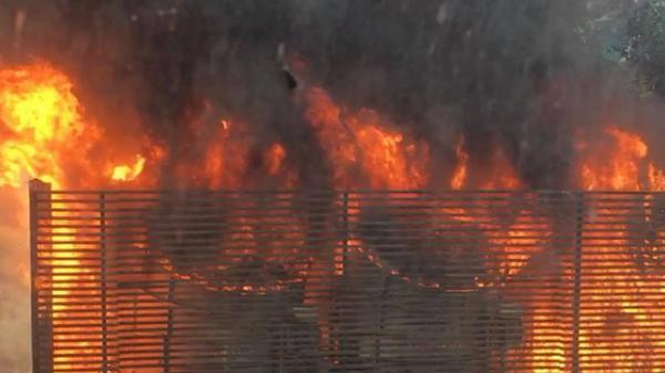 Hà Nội: Cháy hệ thống điều hòa chung cư, người hoảng loạn bỏ chạy