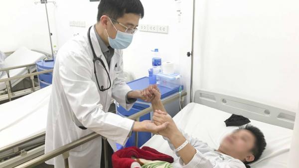 Bệnh nhân 14 tuổi nhập viện vì đột quỵ