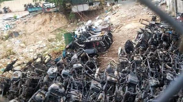 [Clip] Cháy kho giữ xe vi phạm, tang vật của CSGT TP Thủ Đức