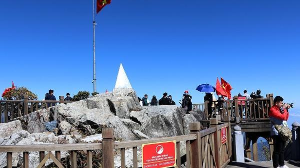 Cáp treo Fansipan giảm giá mạnh đón khách du lịch mùa Hè