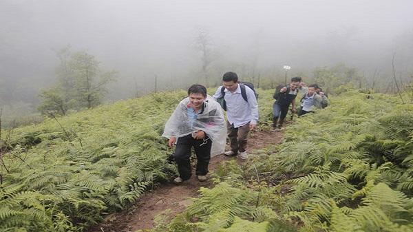 Khảo sát điểm du lịch núi Lảo Thẩn, xã Y Tý