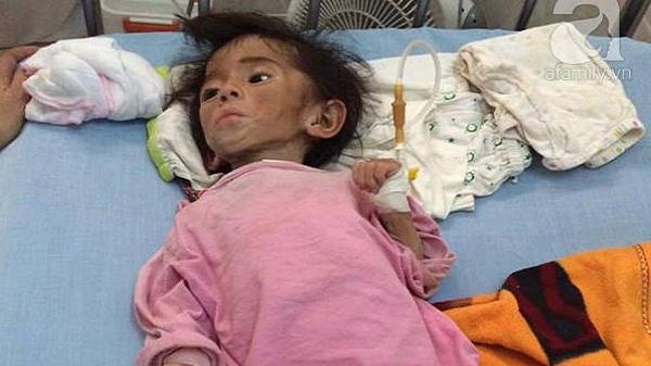 Em bé Lào Cai đón sinh nhật 2 tuổi hoành tráng, mẹ nuôi hé lộ người chăm sóc bé thật sự