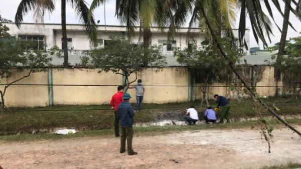 Miền Tây: Phát hiện thi thể bị cháy bên bờ rào công ty