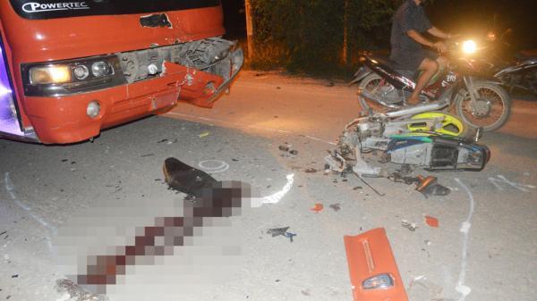 Long An: Va chạm với xe chở công nhân, 1 người tử vong tại chỗ