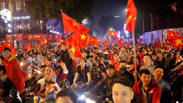 Đà Nẵng: Nước rút, cổ động viên xuống đường tiếp lửa cho tuyển Việt Nam
