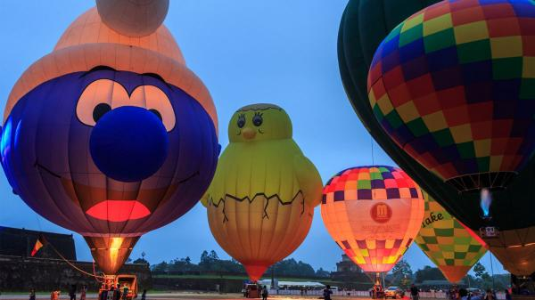 Khinh khí cầu kín trời Bến Lức trong lễ hội xuân văn hoá du lịch Happy Land