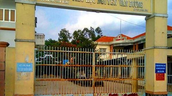 Nhiều giáo viên bất bình vì thầy Việt Hưng bị kỉ lu.ật