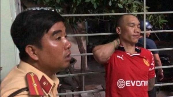 Kề dao cướp xe taxi tại Bình Dương