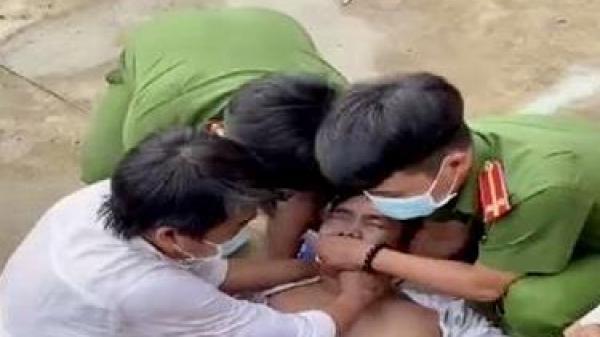 Đồng Nai: Công an kịp thời sơ cứu một người bị động kinh lúc chờ làm CCCD