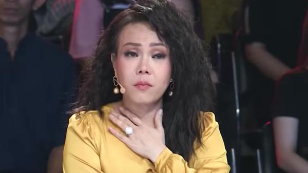 Việt Hương: Chỉ sợ có ngày bị chọi bể kính cửa, tôi khổ hết sức luôn