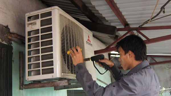 Đồng Nai: Làm nghề sửa chữa điện lạnh được hỗ trợ khó khăn
