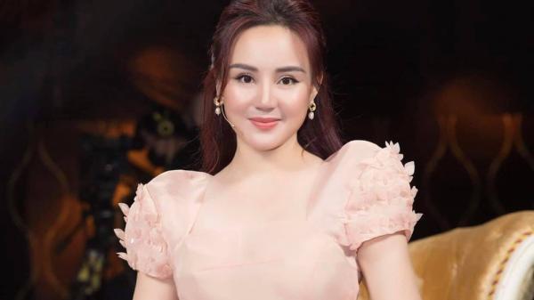 Vy Oanh: Tôi đã nộp đơn kiện bà Nguyễn Phương Hằng, dù bao lâu cũng sẽ đi đến cùng!