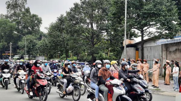 Đồng Nai tiếp tục hỗ trợ, hướng dẫn hàng chục ngàn người về quê