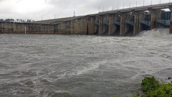 Thủy điện Trị An xả lũ, khuyến cáo người dân ven sông Đồng Nai sẵn sàng di dời