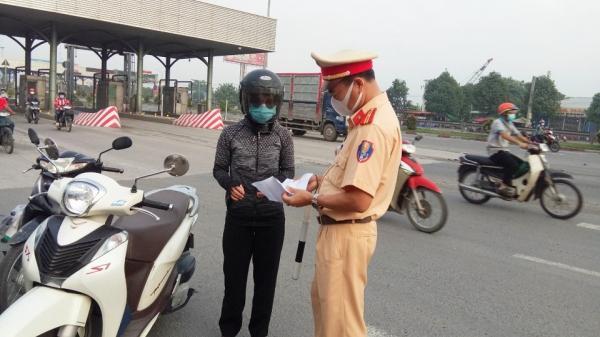 Vì sao Đồng Nai chưa cho phép người lao động vào tỉnh bằng xe máy?