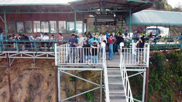 Tai nạn rình rập trên đèo Đại Ninh do trạm dừng chân xây trái phép