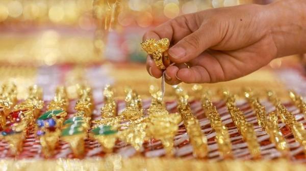 Chiều 6/8: Giá vàng chính thức vượt ngưỡng 61 triệu đồng/lượng
