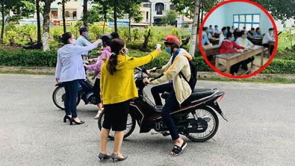 Bình Thuận: Thí sinh đo thân nhiệt, đeo khẩu trang làm thủ tục thi