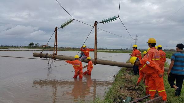 Bình Thuận: Khắc phục sự cố về điện do mưa bão