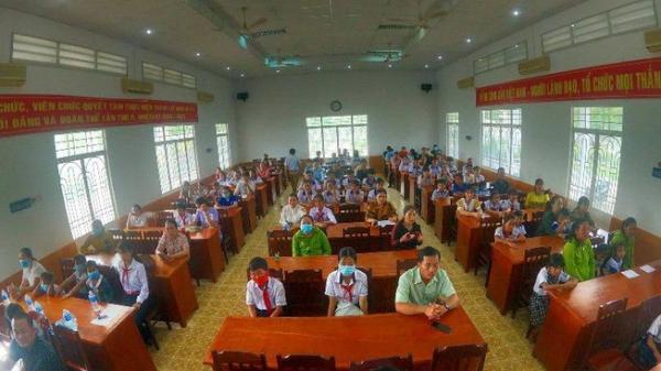 Bình Thuận: Trao hơn 200 triệu đồng cho 70 học sinh khó khăn